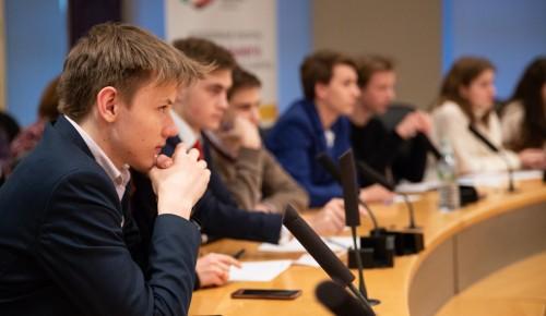 Молодые парламентарии пригласили на проект «Мастер слова» 26 февраля всех желающих