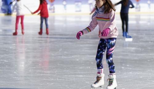Спортивные семьи Зюзина примут участие в празднике «Зимние забавы» 23 января
