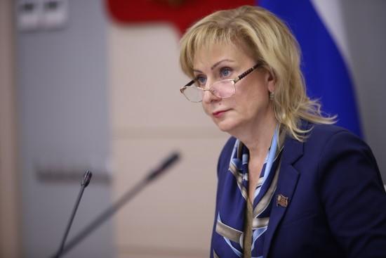 Член СФ Святенко: Проект бюджета Москвы на 2021 год учитывает поддержку детей-сирот