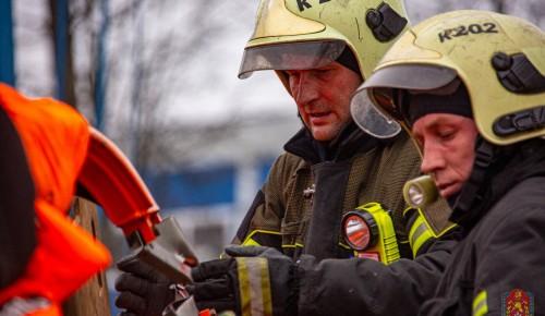 Защищая город. Первые пожарно-спасательные отряды создали 16 лет назад
