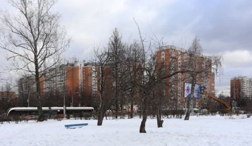 Cквер на пересечении Чонгарского и Симферопольского бульваров