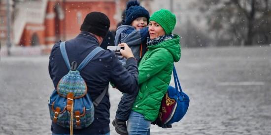 Собянин упростил порядок получения ряда социальных выплат и пособий на детей