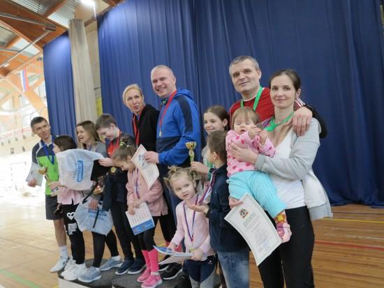 Окружная эстафета для семейных команд прошла в районе Ясенево