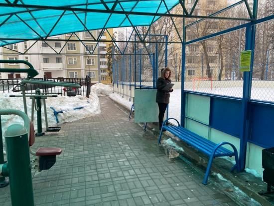 Спортивные площадки проинспектировали в Обручевском районе