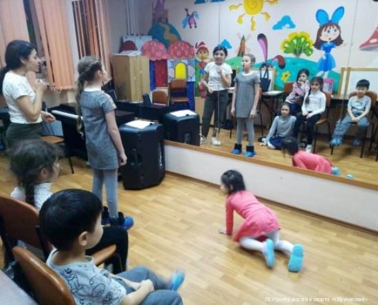 В вокальной студии «Соловей» состоялось занятие в преддверии 8 Марта