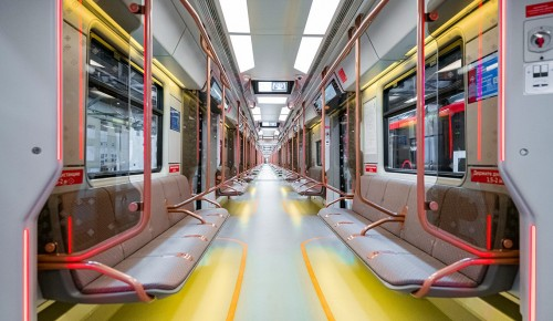 Дополнительные поезда нового поколения запустили на оранжевой ветке метро