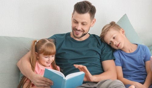 Специалист «Гелиоса» рассказала, как мотивировать детей помогать родителям по дому