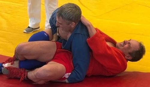 Мастера самбо показали классную борьбу