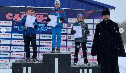 Спортсмены из Южного Бутова взяли несколько наград первой православной лыжной гонки «Бутовские старты»