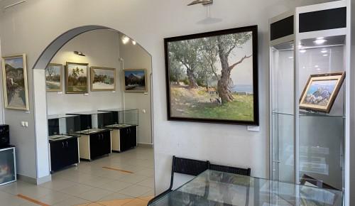 Завершается работа выставки живописи «Бродяга с этюдником» в галерее «Листок»