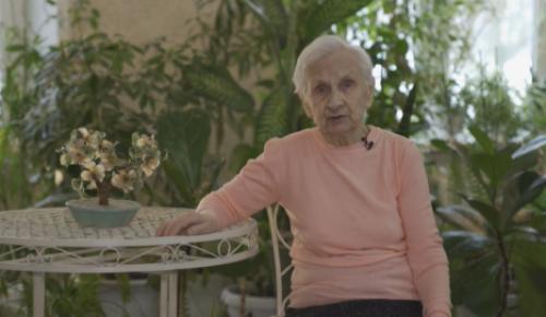 """""""Советую сделать каждому"""". 92-летняя жительница пансионата в Конькове рассказала о вакцинации"""