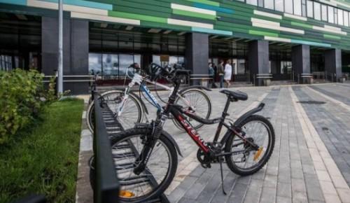 В новом сезоне горожанам станет доступно еще 1,3 тысячи велопарковок