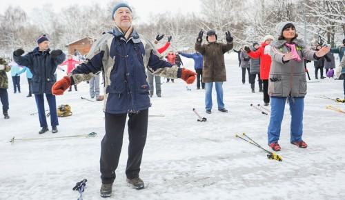 Пенсионерам Конькова предлагают опробовать адаптированный вариант упражнений на растяжку