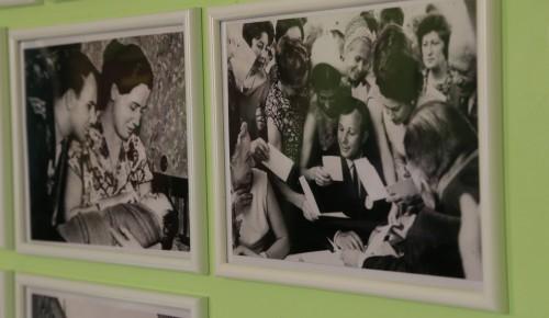 Выставка, посвященная Юрию Гагарину, в ЦСО Гагаринского района (фото из личных архивов)