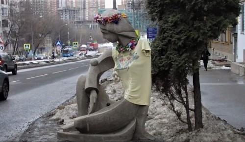 В галерее «Нагорная» стартовал арт-проект «Одень Галю!»
