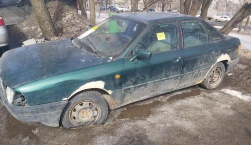 Три бесхозных автомобиля с признаками БРТС выявили в Черемушках
