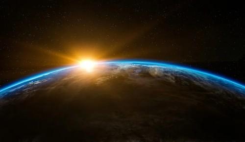Пенсионеров района Зюзино приглашают на онлайн-занятия, посвящённые освоению космоса