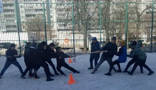 Соревнования «Весенние забавы» прошли в центре досуга «Обручевский»