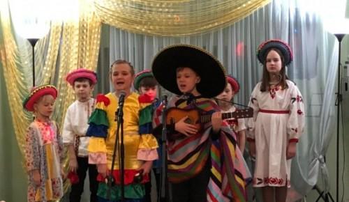 Молодые артисты Обручевского представили лучшие номера с народными песнями