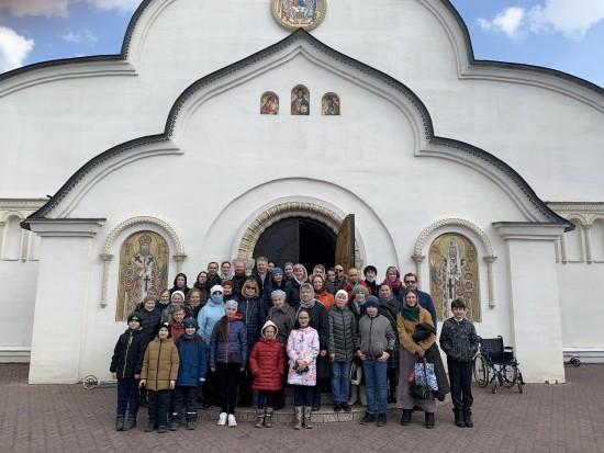 Подопечные Воскресной школы храма пророка Илии в Северном Бутове побывали на мемориальной экскурсии