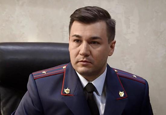 Актер Станислав Исаков прочитает текст Тотального диктанта в библиотеке №185