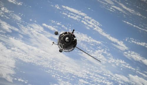В Гагаринском открылась выставка, посвященная Дню космонавтики