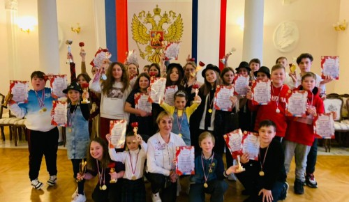 Юные таланты из школы № 1945 победили на вокальном фестивале в Ялте