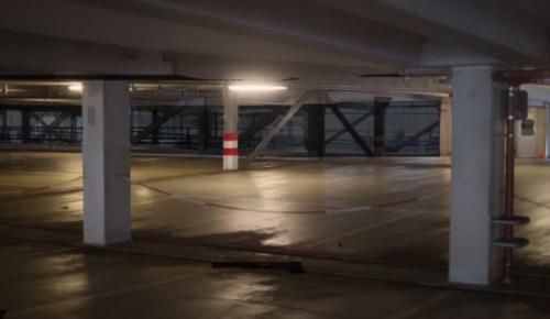 Места в подземных паркингах Ломоносовского района выставили для аренды