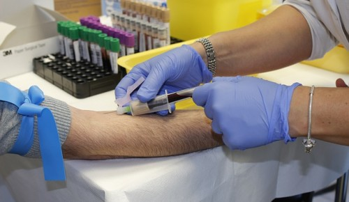 Жители Академического района могут  сдать кровь на антитела в первом филиале поликлиники №22