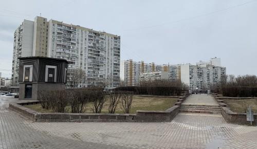 Коммунальщики района заканчивают уборку грязного снега