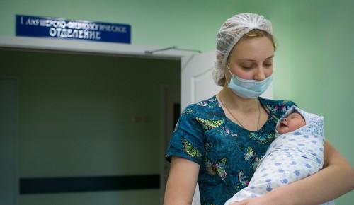 В марте в Обручевском районе родилось семь пар двойняшек