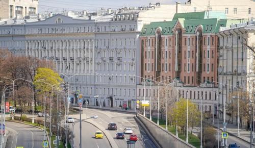 Первые за восемь лет облигации Москвы позволят избежать пиковых нагрузок на бюджет
