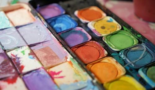 Центр «Хорошее настроение» приглашает юных жителей Черемушек на занятия в студию живописи