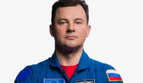 Космонавт Роман Романенко поздравил россиян с Днем космонавтики в прямом эфире