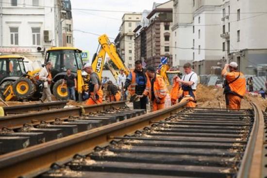 В Москве планируется открыть семь закрытых на ремонт участков трамвайных путей