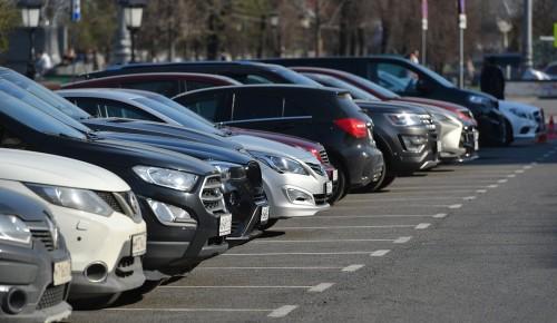Жители Москвы стали покупать вдвое больше машино-мест