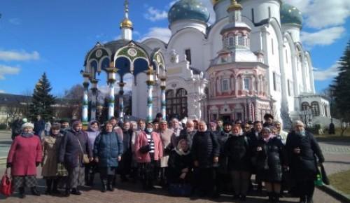 Жители Котловки совершили паломническую поездку в Свято-Троицкую Сергиеву Лавру