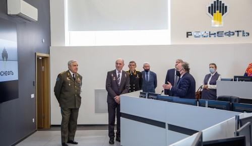 Губкинцы встретились с ветеранами Воздушно-космических сил Российской Федерации