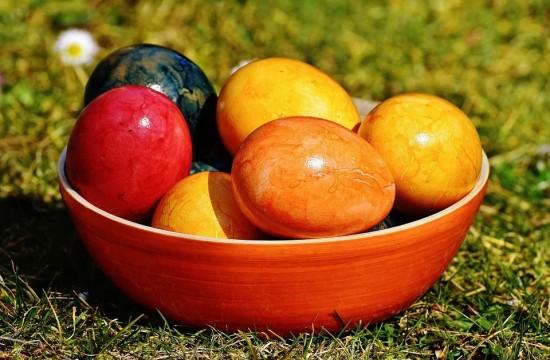 В Воскресной школе прошёл мастер-класс по росписи Пасхальных яиц