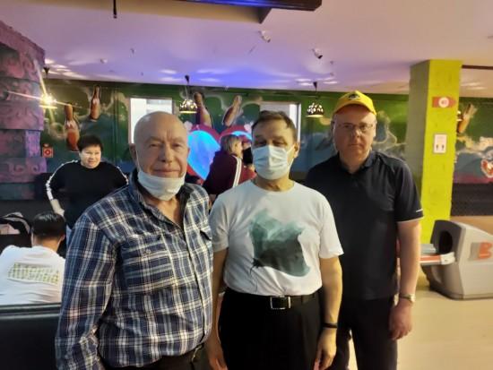 Жители Черемушек с ограниченными возможностями здоровья выступили на окружных соревнованиях по боулингу