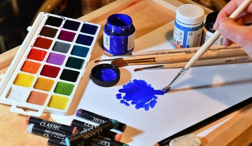 В галерее «Нагорная» пройдет мастер-класс по живописи на воде