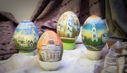 Долголеты Академического района приглашаются на мастер-класс по росписи пасхального яйца