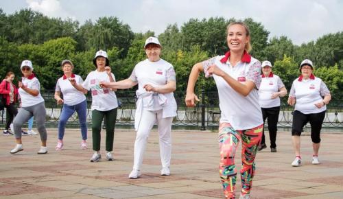 """Участники программы """"Московское долголетие"""" приглашаются на танцевальную разминку"""