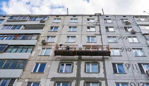 По программе капремонта в ЮЗАО обновят более 90 фасадов жилых домов