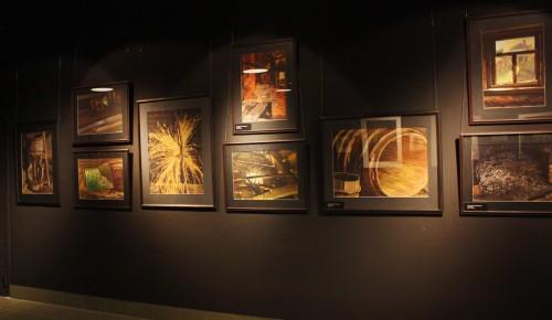 В Академии акварели открылась юбилейная выставка Алексея Попова