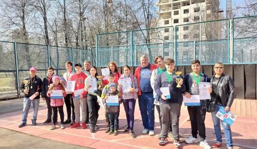 На окружных соревнованиях по городошному спорту команда Черемушек заняла третье место