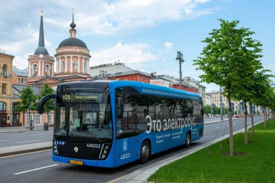 Собянин подвел итоги развития наземного общественного транспорта за 10 лет