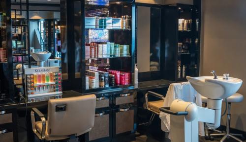 Столичным барбершопам и салонам красоты помогут преодолеть последствия пандемии