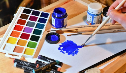 Жителей Конькова «серебряного» возраста приглашают на онлайн-занятия по рисованию
