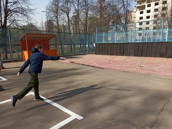 Городошники Академического района приняли участие в окружном турнире